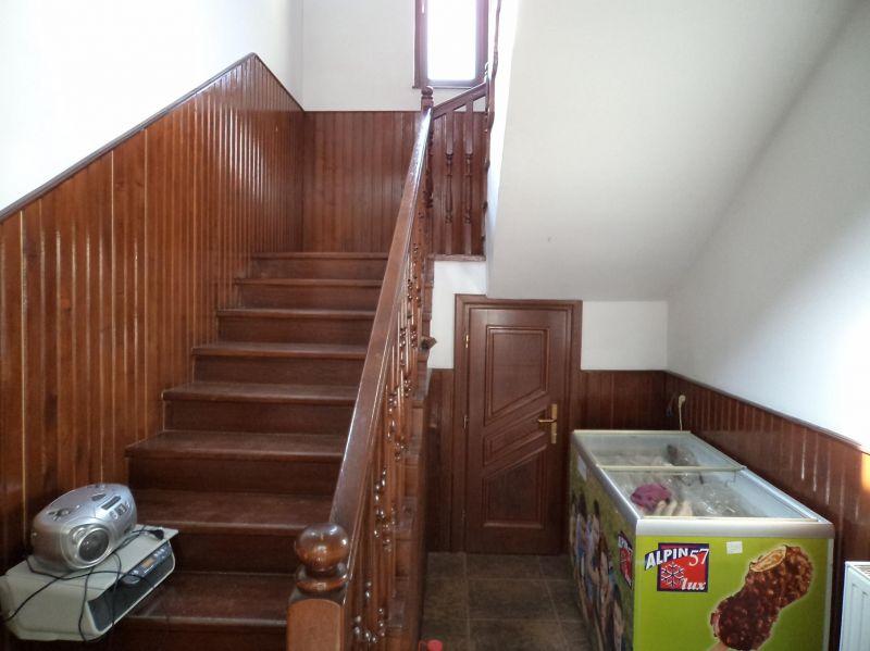 Casa tip duplex de vanzare 100 mp zona cetate alba for Case de 100 mp